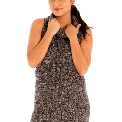 A Stone's Throw Away Knit Top in Speckled Black